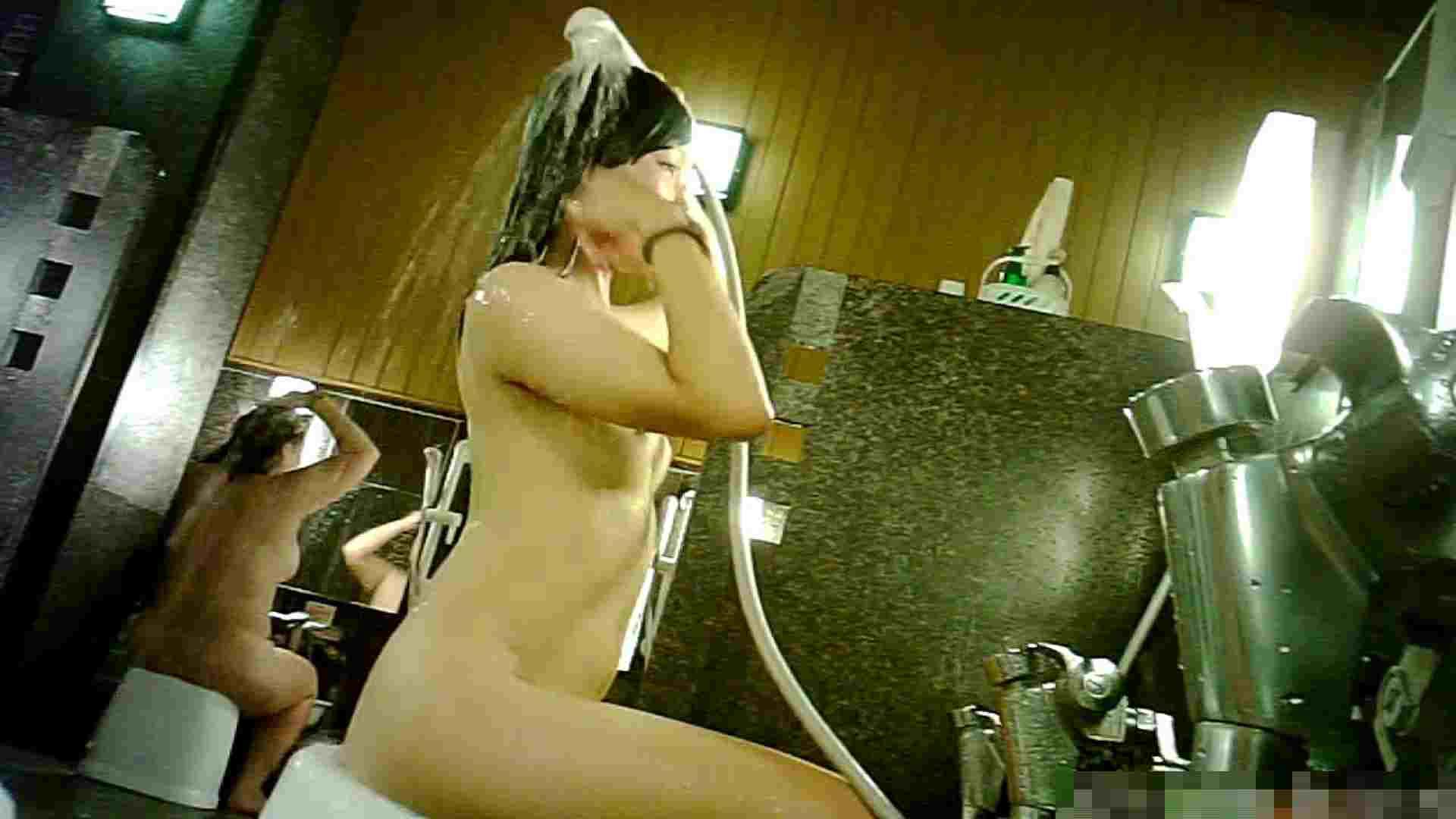 巨乳おまんこ:Vol.57 追い撮り!時間は短いですが私服と裸・・・悩殺です。:怪盗ジョーカー