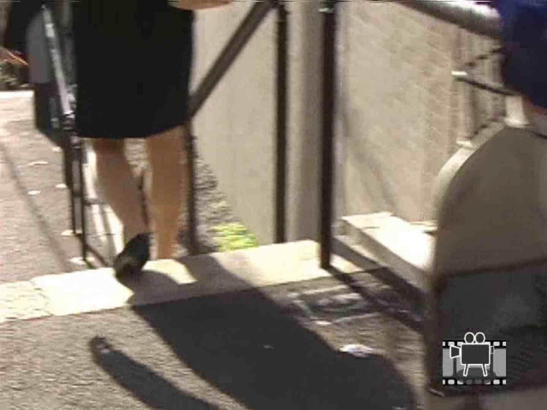 スカートめくって逃げる ハプニング映像 AV無料 98PIX 66