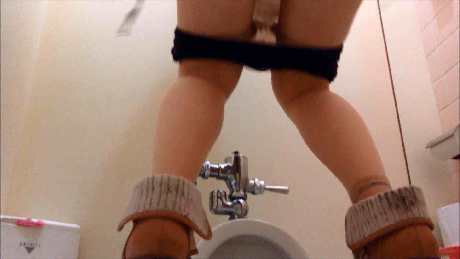 某有名大学女性洗面所 vol.14 和式 のぞき 105PIX 39