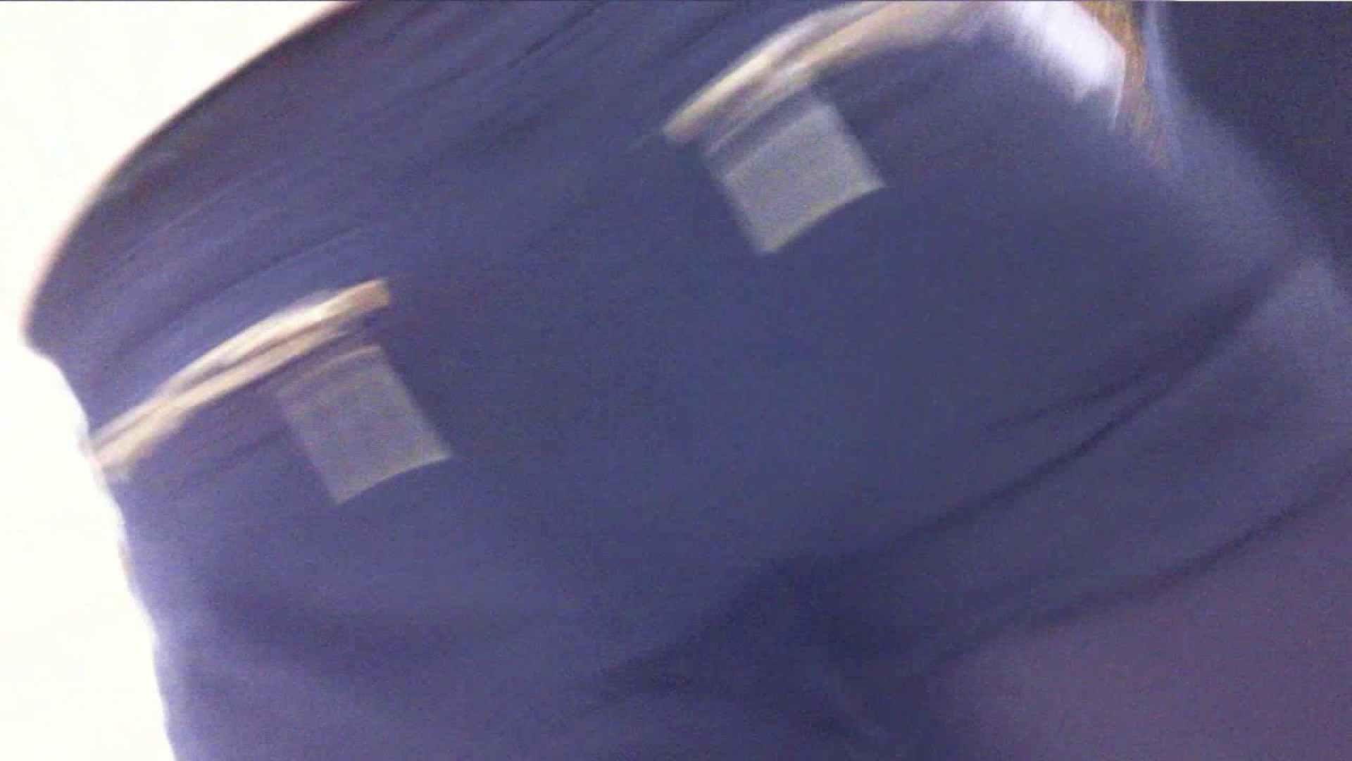 あれこのショップ‼あのカリスマ店員‼今日は黒パンツ‼ 接写  78PIX 38