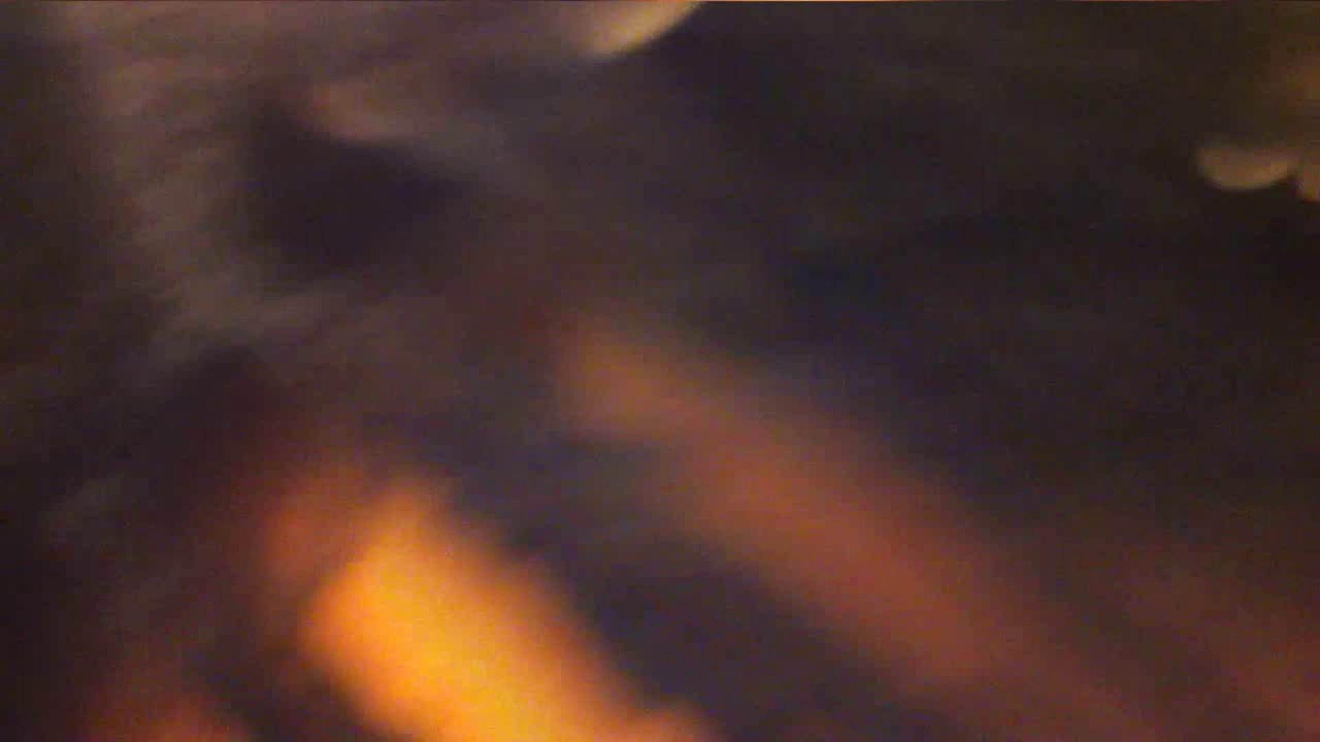 巨乳おまんこ:vol.35 美人アパレル胸チラ&パンチラ ひらひらスカートの中身は?:のぞき本舗 中村屋