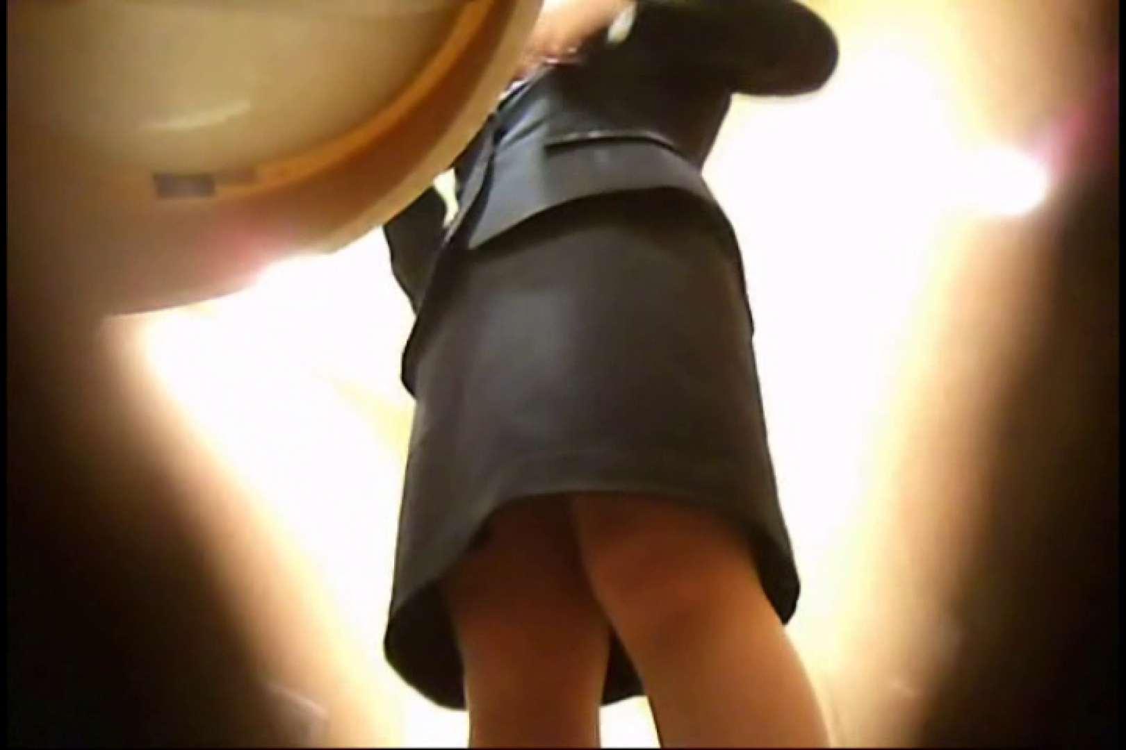 画質向上!新亀さん厠 vol.13 厠・・・ 盗み撮り動画 111PIX 48