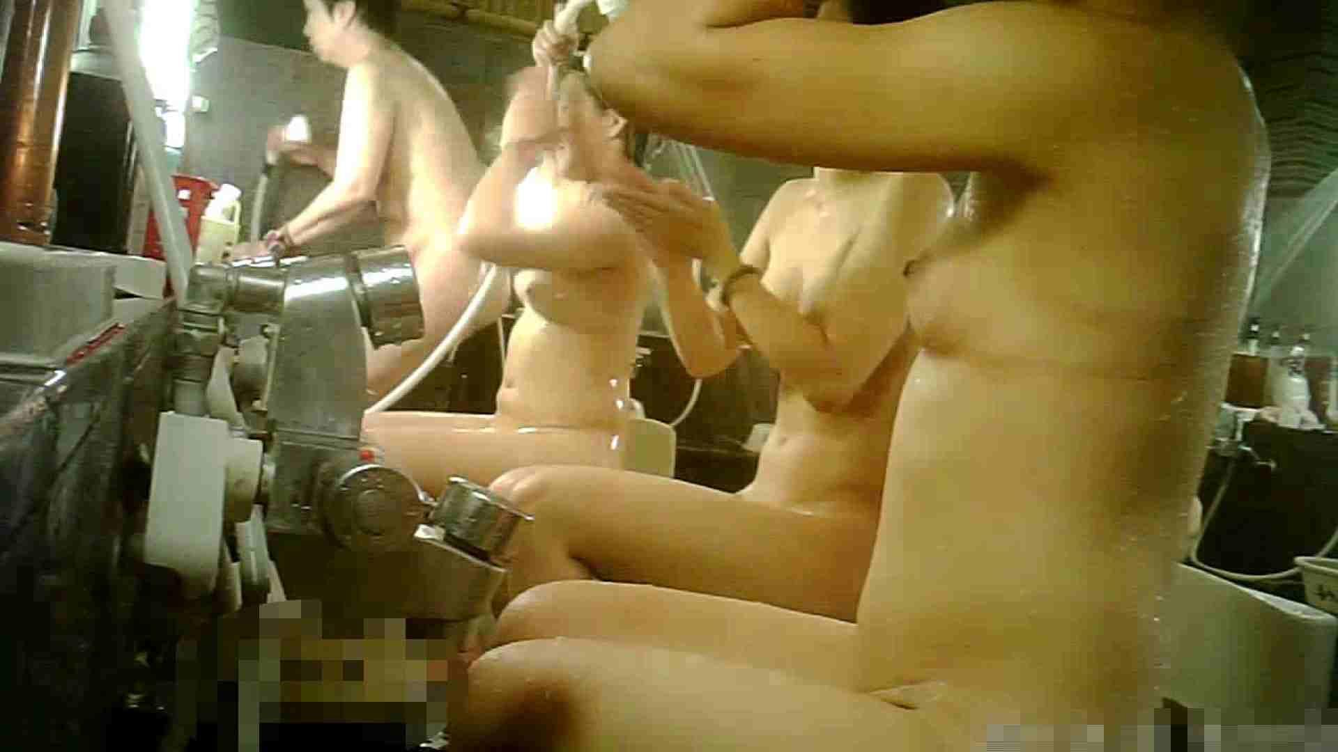 手を染めてしまった女性盗撮師の女風呂潜入記 vol.006 潜入 セックス画像 100PIX 62
