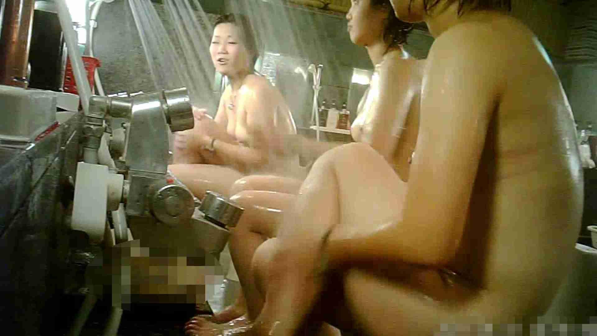 手を染めてしまった女性盗撮師の女風呂潜入記 vol.006 銭湯 ヌード画像 100PIX 83