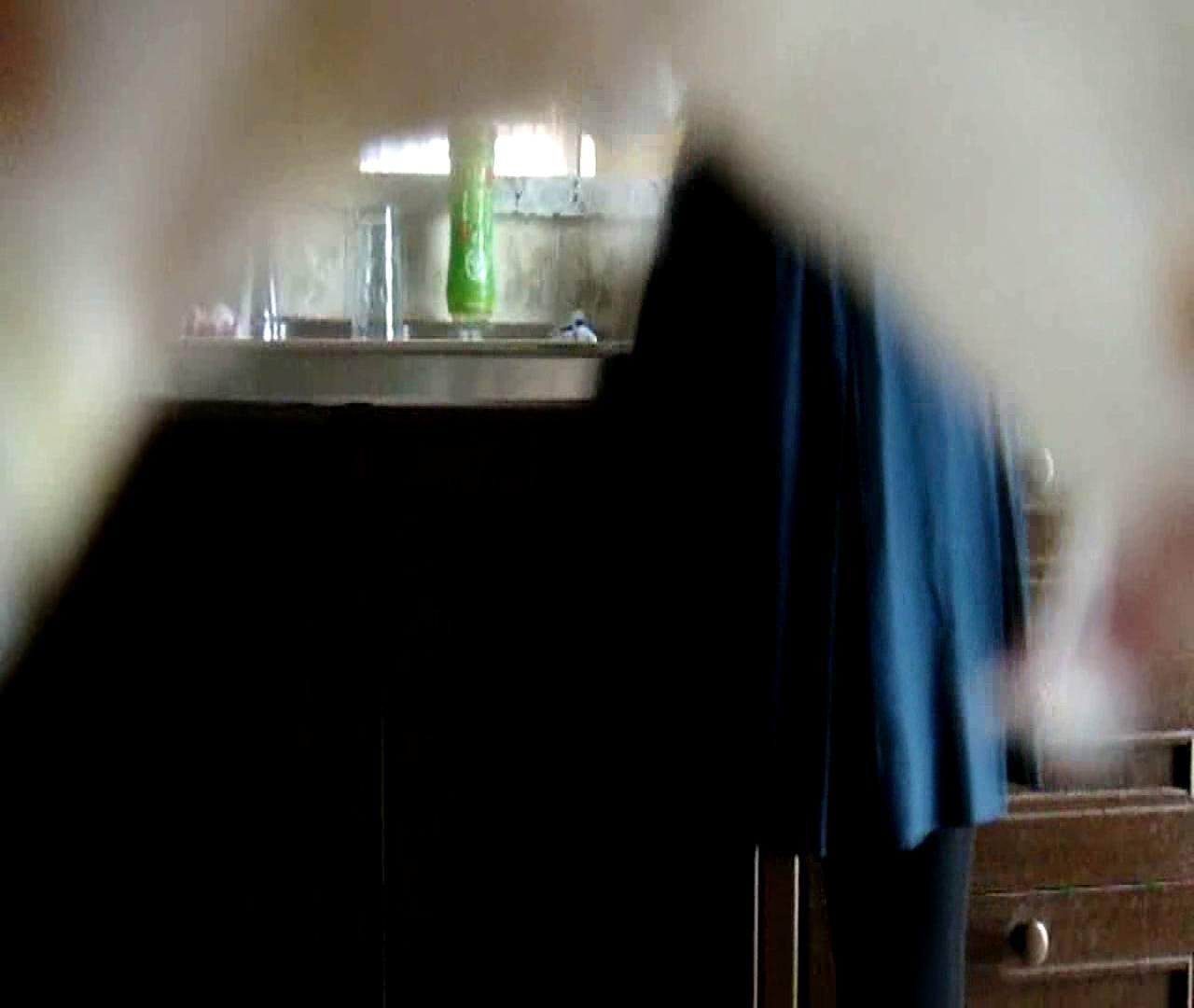 巨乳おまんこ:二人とも育てた甲斐がありました… vol.02 まどかの朝の着替え:のぞき本舗 中村屋