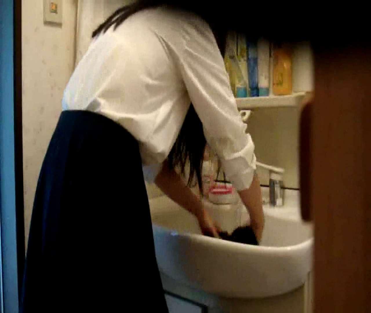 二人とも育てた甲斐がありました… vol.05 まどかが洗顔後にブラを洗濯 盗撮シリーズ | おまんこ見放題  79PIX 65