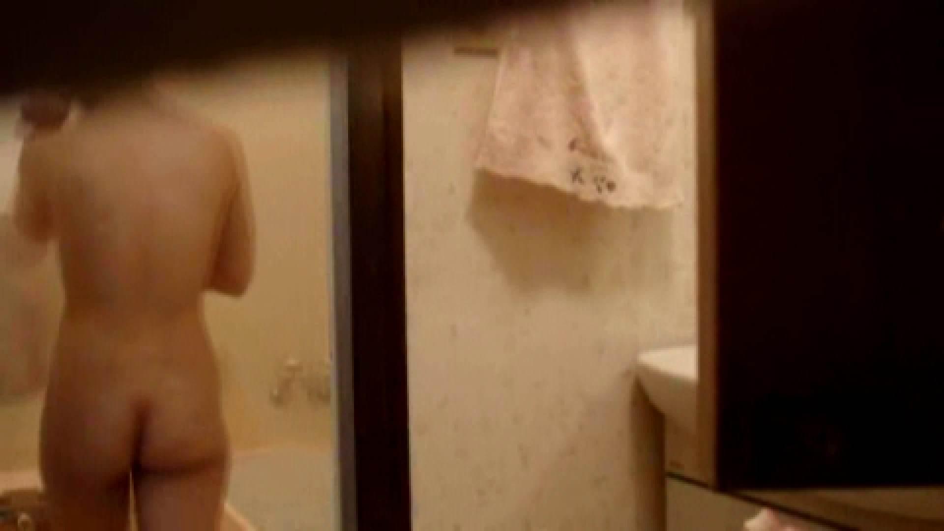 二人とも育てた甲斐がありました… vol.08 まどかの入浴中にカメラに気付いたか!? 入浴   0  84PIX 9