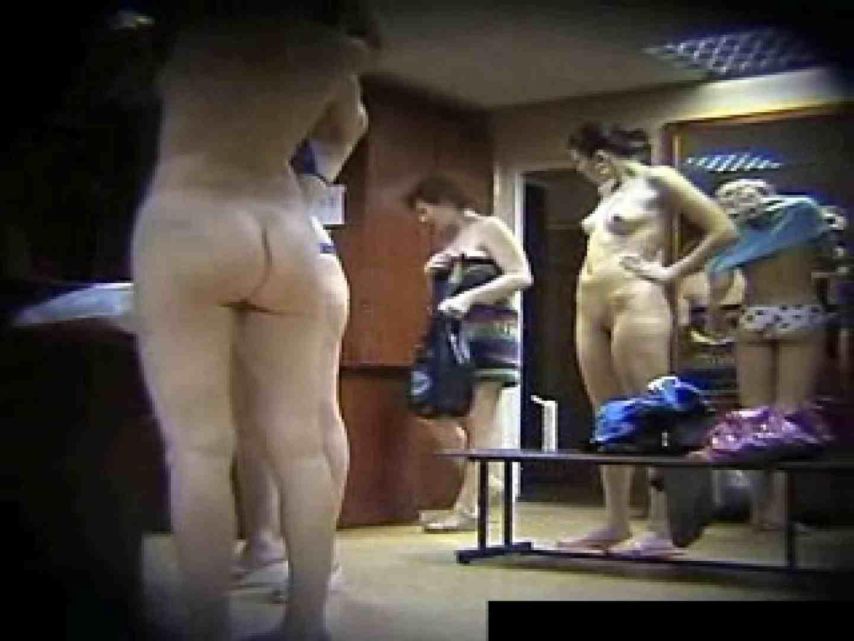 欧州ロッカールーム覗き撮り5 ギャルのエロ動画 戯れ無修正画像 111PIX 43