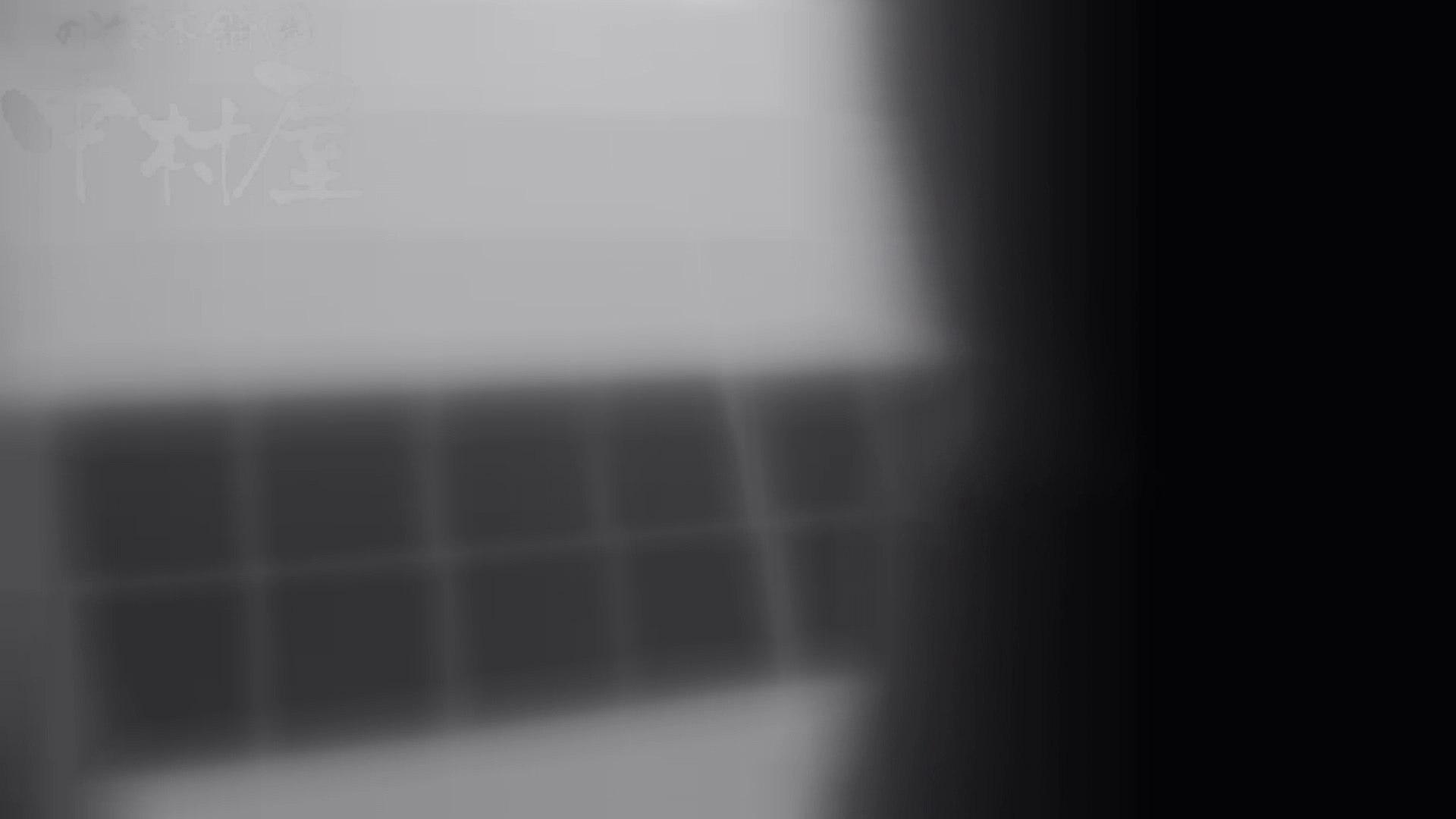 巨乳おまんこ:マンコ丸見え!第三体育館潜入撮File001:のぞき本舗 中村屋