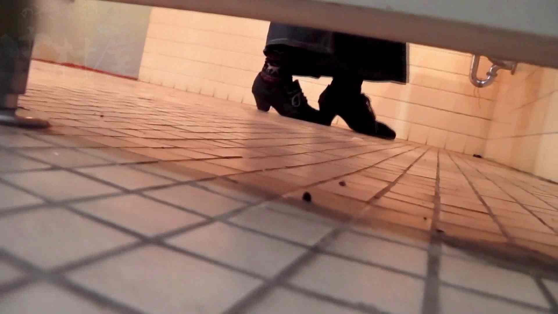 巨乳おまんこ:第三体育館潜入撮File021進化2:のぞき本舗 中村屋