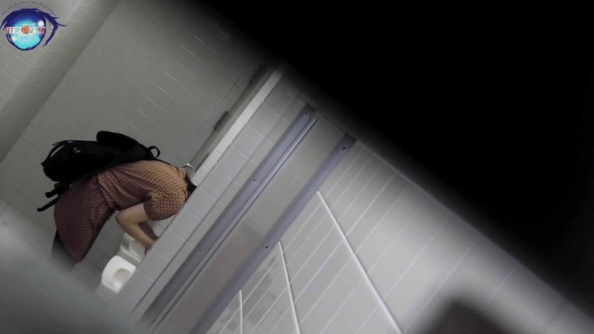 洗面所突入レポート!!お銀 vol.68 無謀に通路に飛び出て一番明るいフロント撮り実現 前編 洗面所編  86PIX 64