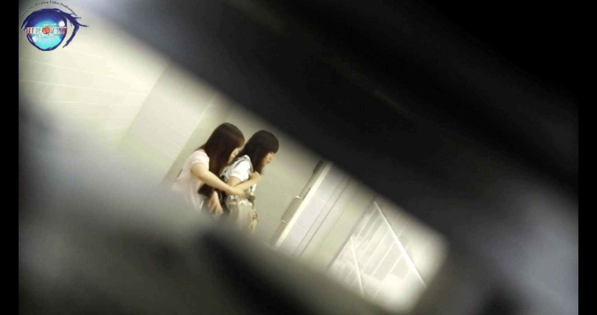 【お銀さんの「洗面所突入レポート!!」】お銀 vol.70 女性の日特集!!前編 洗面所編  106PIX 28