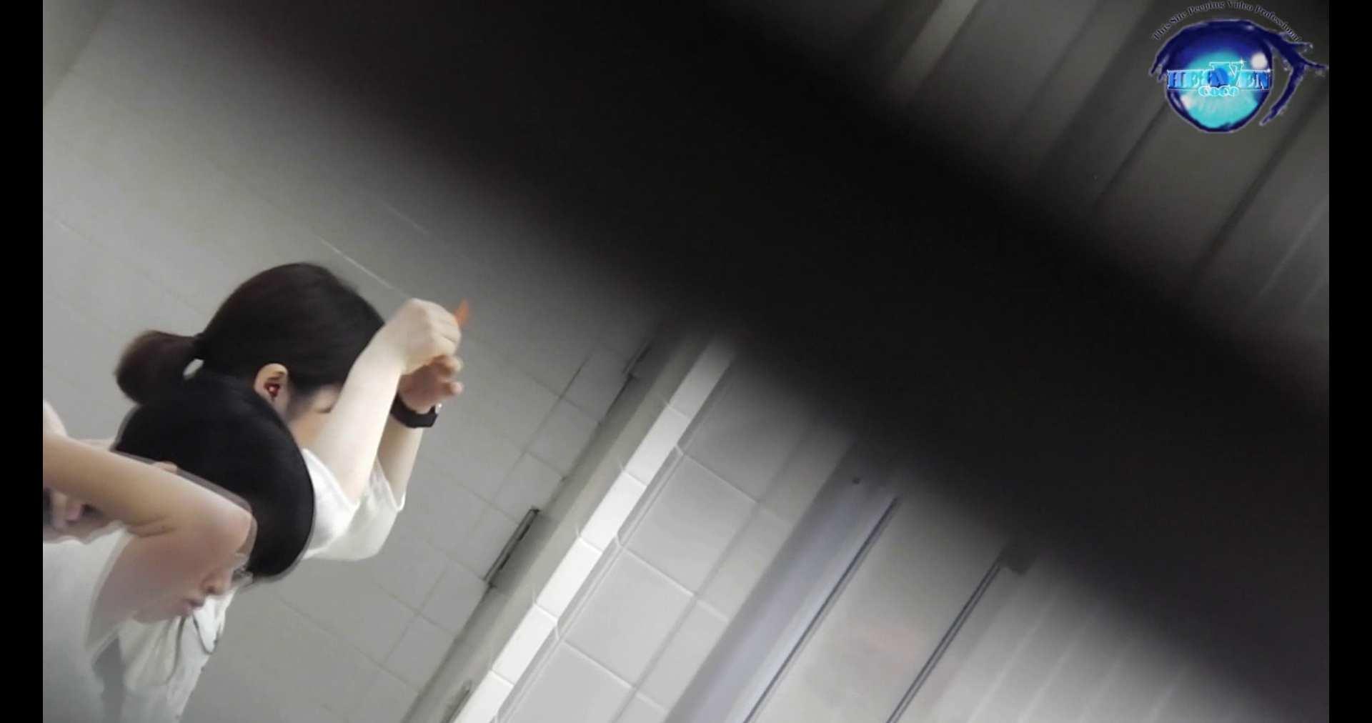お銀さんの洗面所突入レポート!!vol.72 あのかわいい子がついフロント撮り実演 洗面所編 | バックショット  100PIX 3