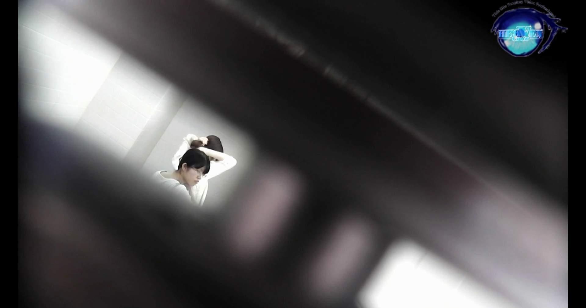 お銀さんの洗面所突入レポート!!vol.72 あのかわいい子がついフロント撮り実演 洗面所編 | バックショット  100PIX 27