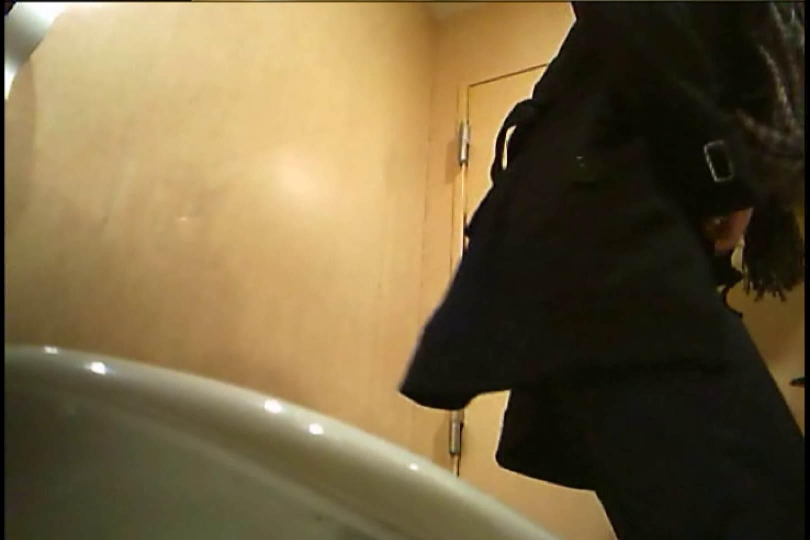 潜入!!女子化粧室盗撮~絶対見られたくない時間~vo,6 お尻   盗撮シリーズ  108PIX 31