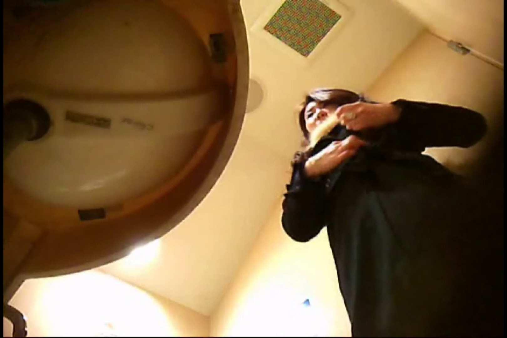 潜入!!女子化粧室盗撮~絶対見られたくない時間~vo,8 お姉さんのエロ動画 | 盗撮シリーズ  82PIX 37
