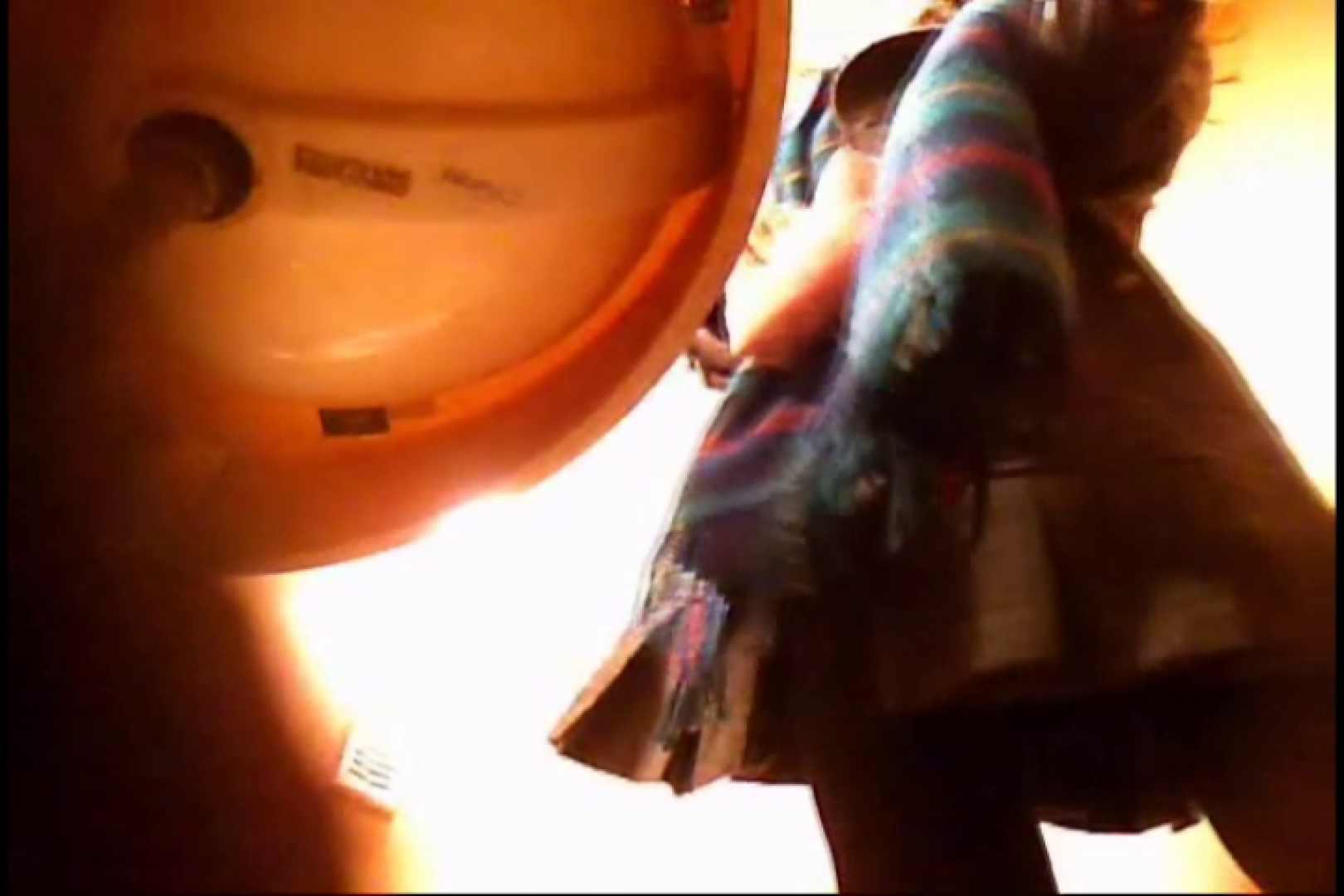 潜入!!女子化粧室盗撮~絶対見られたくない時間~vo,10 お尻 ぱこり動画紹介 88PIX 22