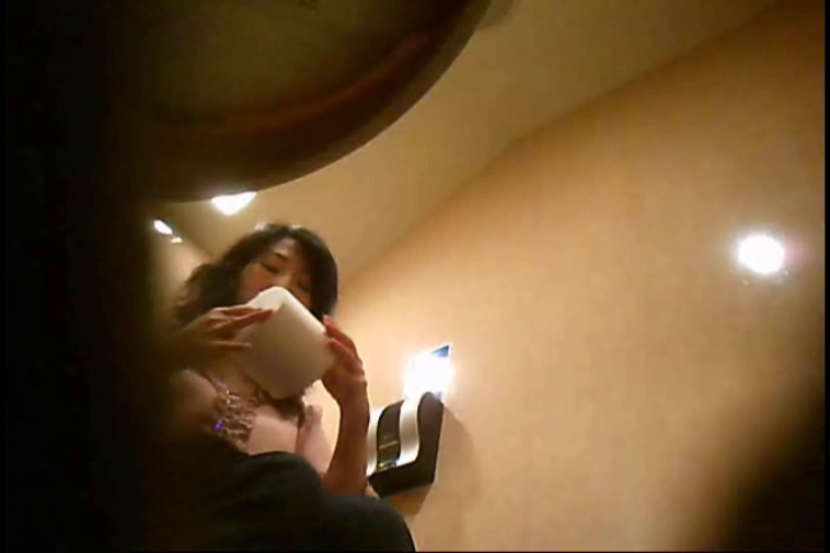 潜入!!女子化粧室盗撮~絶対見られたくない時間~vo,128 熟女のエロ動画   お姉さんのエロ動画  103PIX 45