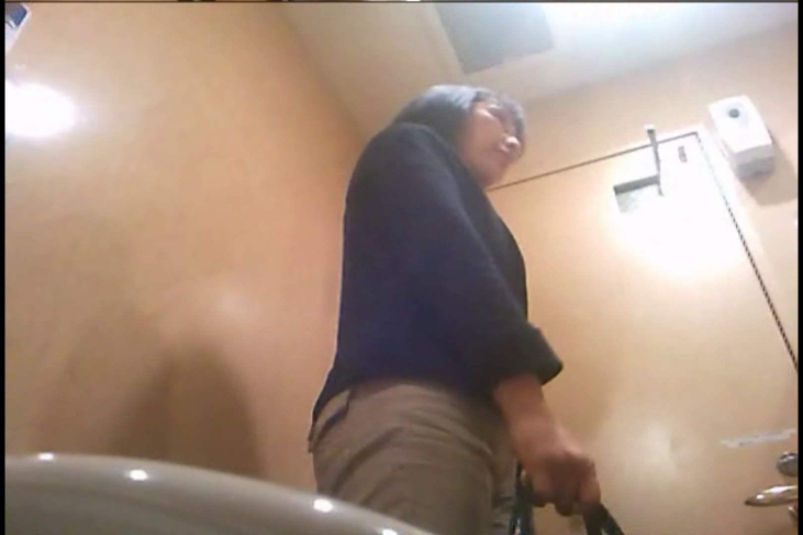 潜入!!女子化粧室盗撮~絶対見られたくない時間~vo,128 熟女のエロ動画   お姉さんのエロ動画  103PIX 85