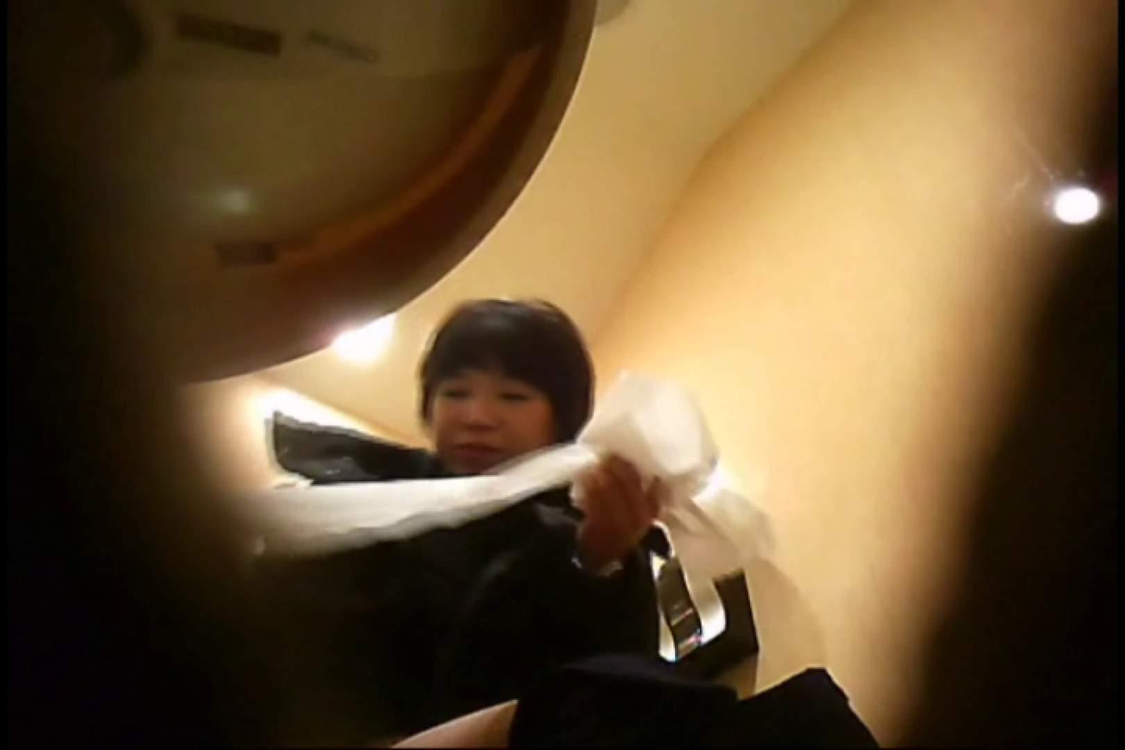 潜入!!女子化粧室盗撮~絶対見られたくない時間~vo,13 お姉さんのエロ動画 | 潜入  81PIX 1