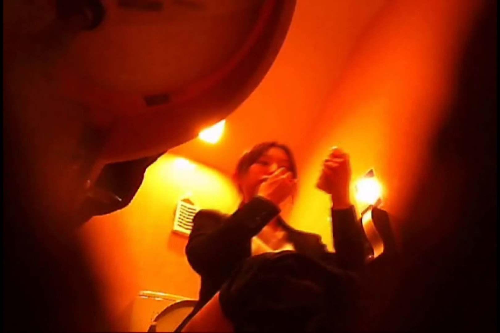 潜入!!女子化粧室盗撮~絶対見られたくない時間~vo,13 お姉さんのエロ動画 | 潜入  81PIX 56