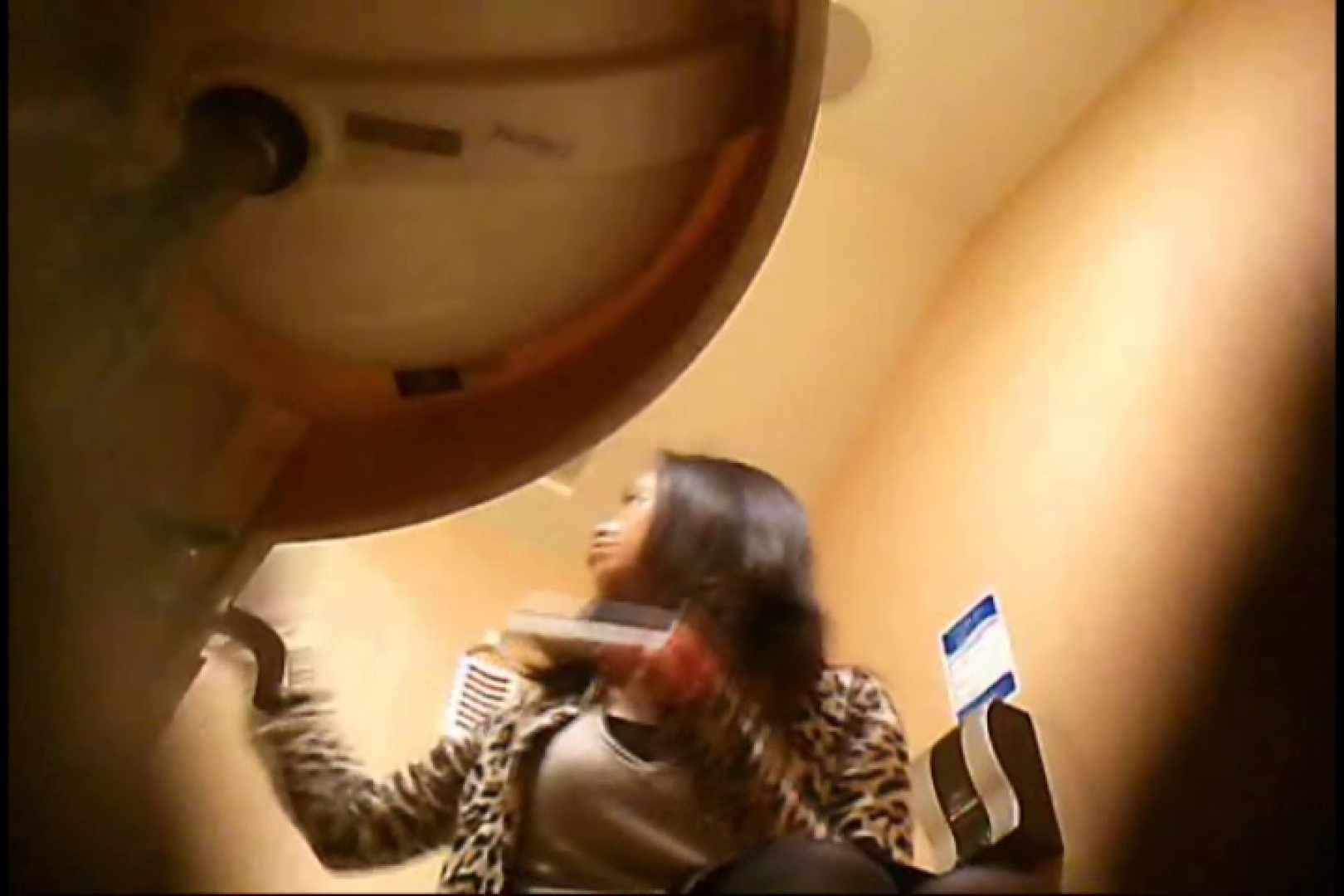 潜入!!女子化粧室盗撮~絶対見られたくない時間~vo,15 お姉さんのエロ動画   潜入  101PIX 1
