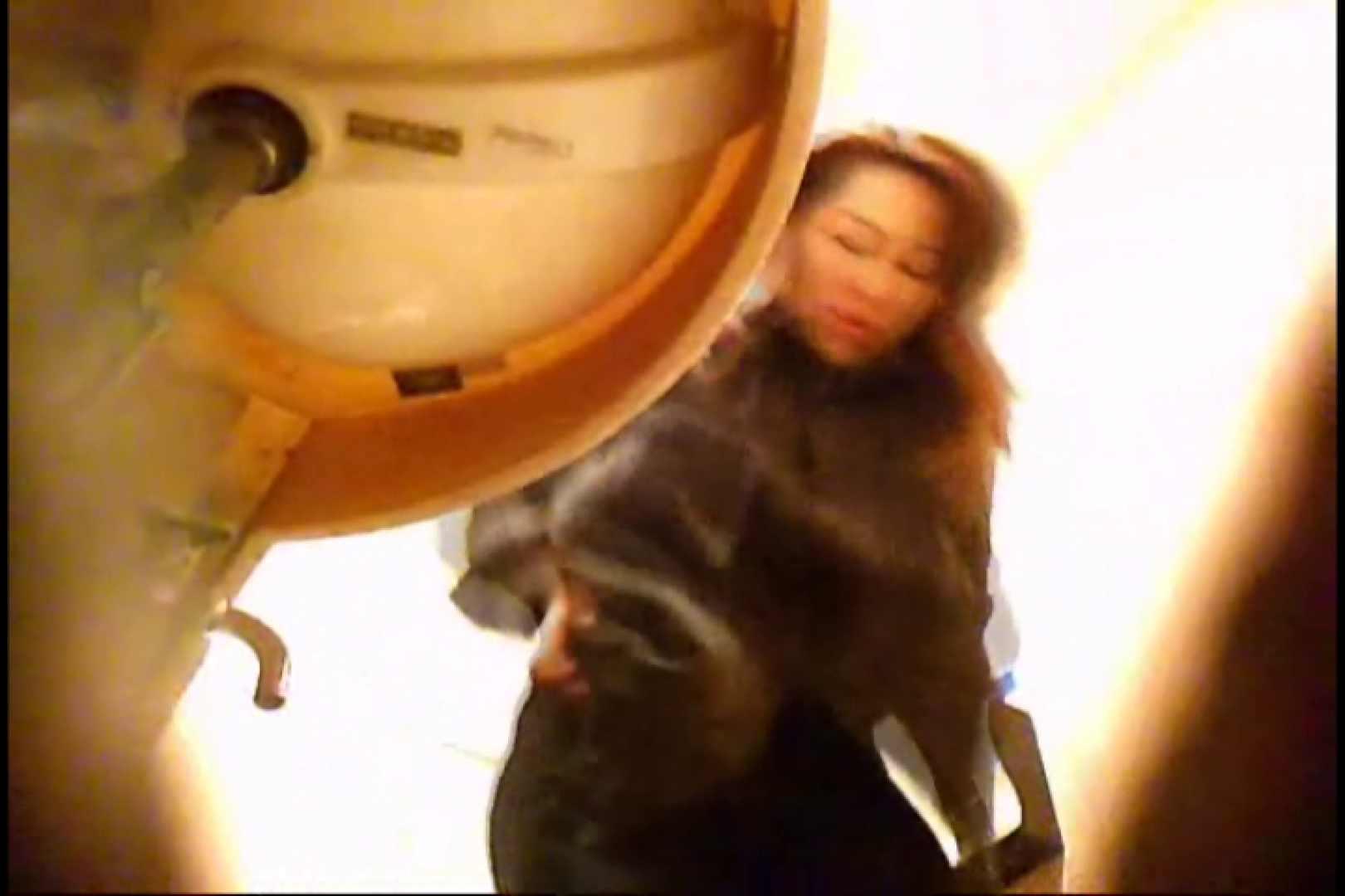 潜入!!女子化粧室盗撮~絶対見られたくない時間~vo,15 お姉さんのエロ動画  101PIX 40