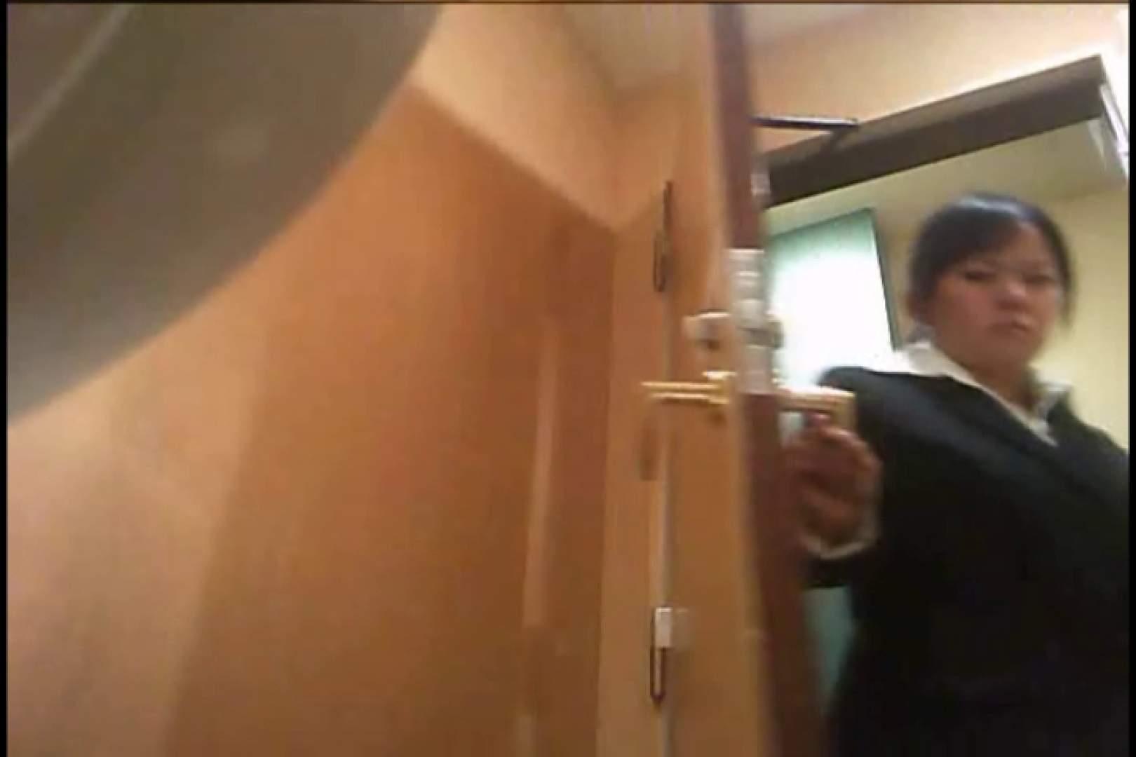 潜入!!女子化粧室盗撮~絶対見られたくない時間~vo,31 お姉さんのエロ動画 | 盗撮シリーズ  82PIX 61