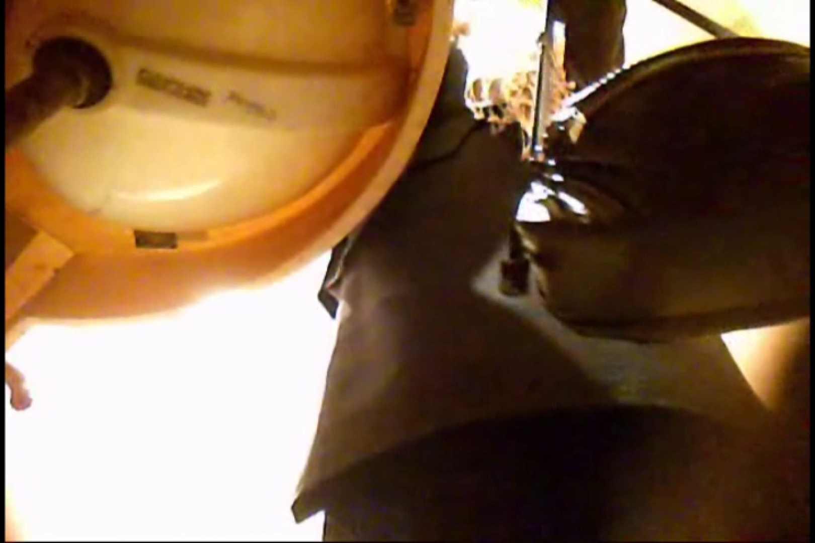 潜入!!女子化粧室盗撮~絶対見られたくない時間~vo,82 チラ | 盗撮シリーズ  80PIX 43