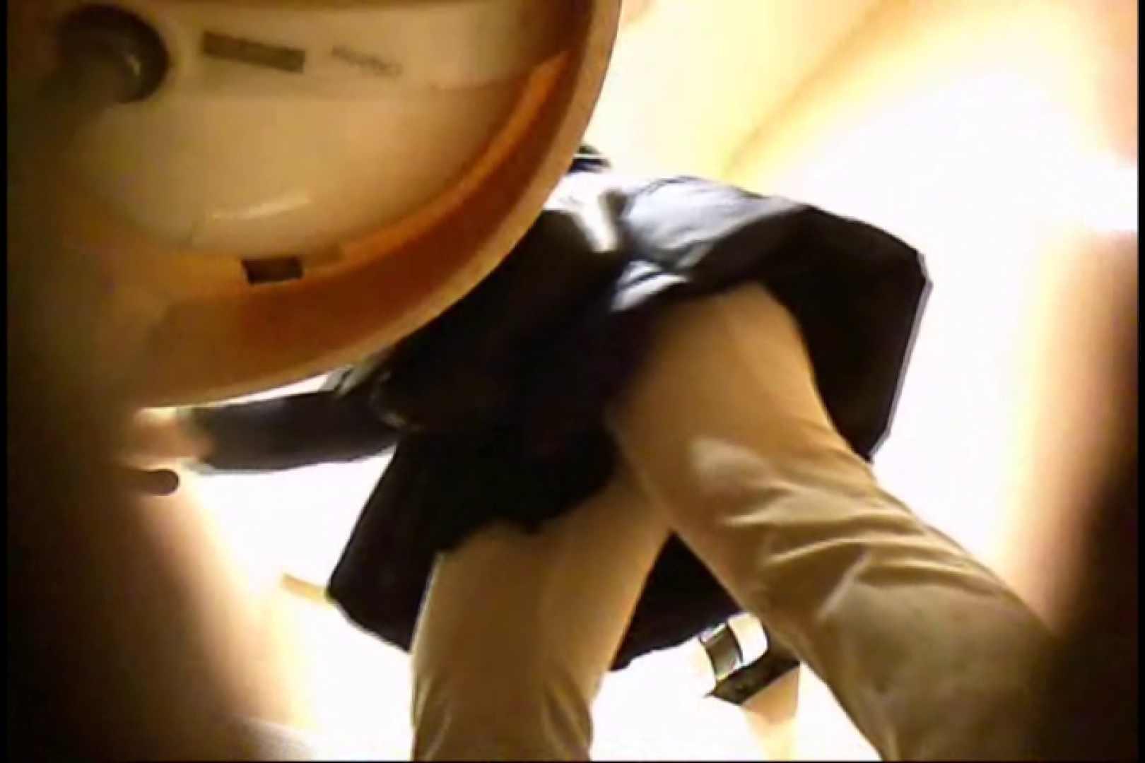 潜入!!女子化粧室盗撮~絶対見られたくない時間~vo,86 エロいおばさん   熟女のエロ動画  81PIX 25