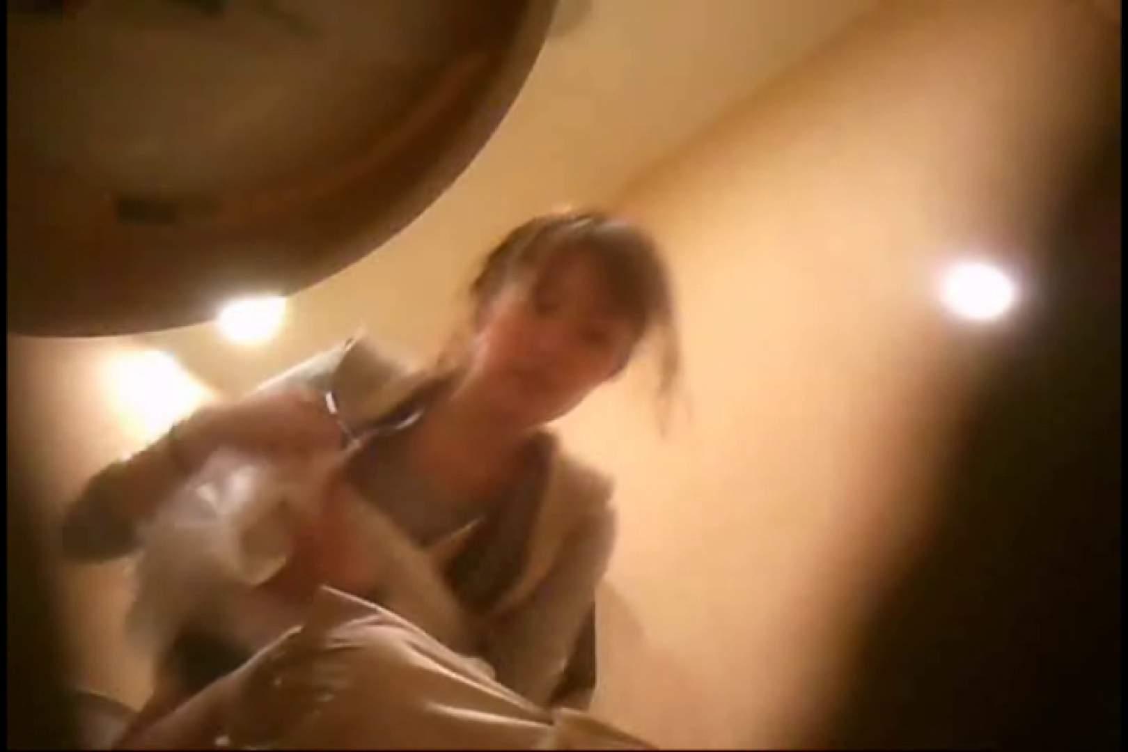 潜入!!女子化粧室盗撮~絶対見られたくない時間~vo,93 お姉さんのエロ動画  90PIX 44