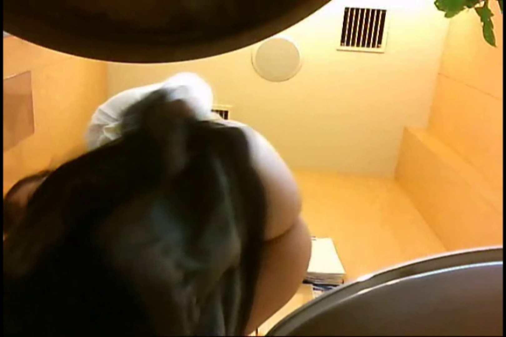実録!魂の女子化粧室盗撮!!~隠れ潜む特殊カメラ~vo,05 お姉さんの下半身  79PIX 72