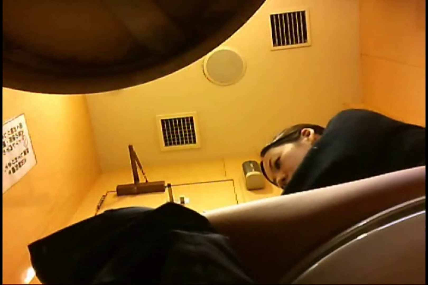 巨乳おまんこ:実録!魂の女子化粧室盗撮!!~隠れ潜む特殊カメラ~vo,30:のぞき本舗 中村屋