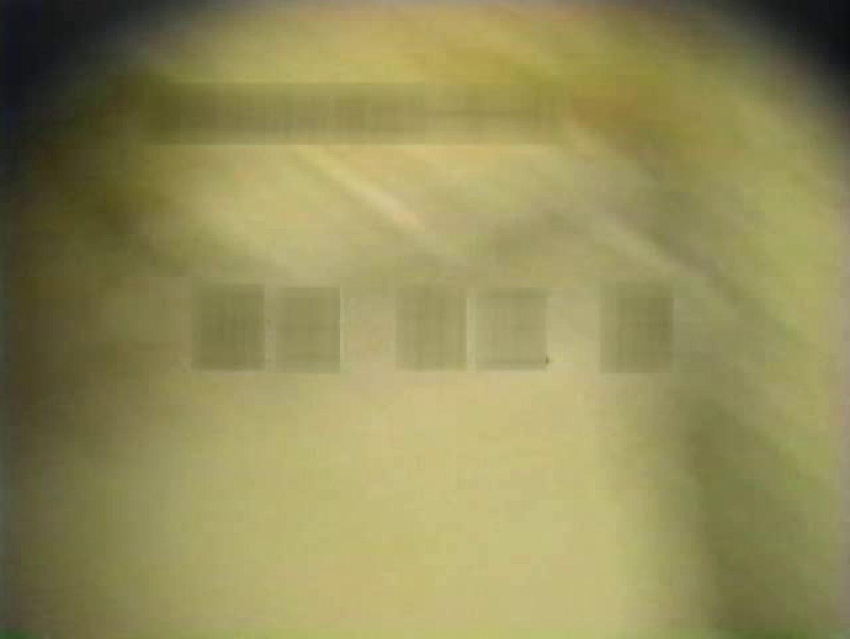 和式個室に穴を開けて盗撮しました。 フリーハンド | 厠・・・  104PIX 61