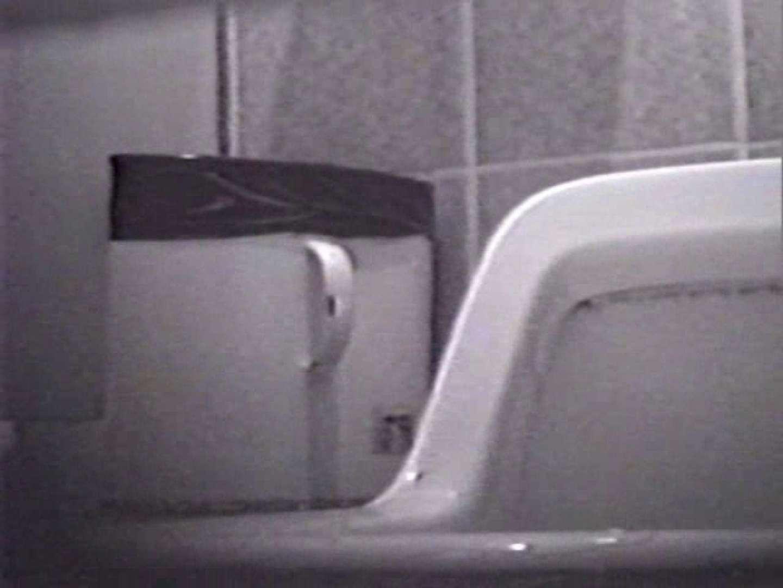 臭い厠で全員嘔吐する女 洗面所編  111PIX 100