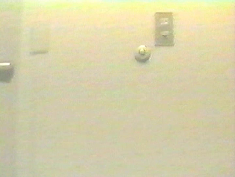 都内 卓球場横厠② 放尿編 アダルト動画キャプチャ 78PIX 4