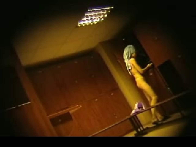 ヨーロッパ発! ロッカールーム潜入撮vol.2 脱衣所で着替え ぱこり動画紹介 106PIX 86