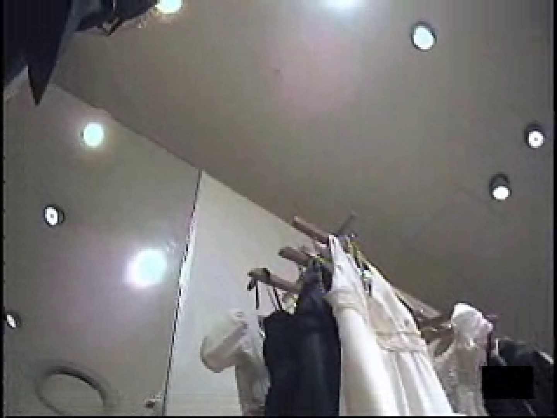 ショップ店員の卑猥なパンツ覗き ハプニング映像 ワレメ無修正動画無料 105PIX 56