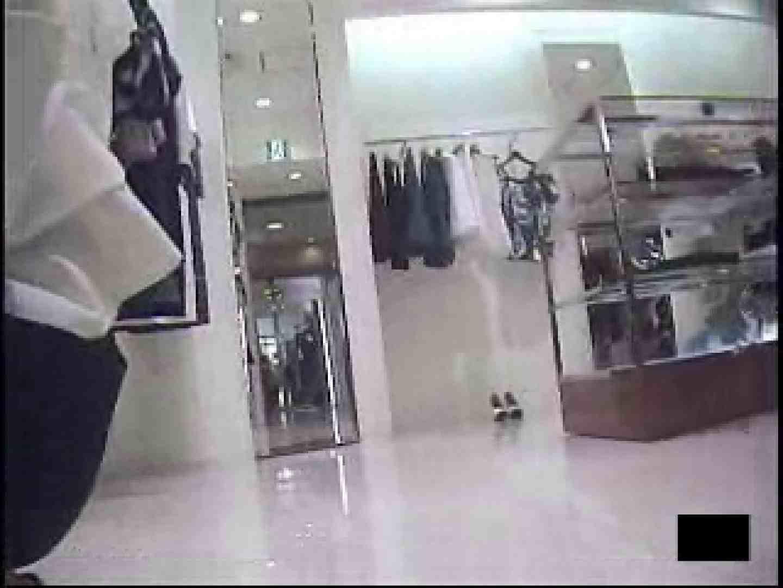 ショップ店員の卑猥なパンツ覗き 接写 スケベ動画紹介 105PIX 102
