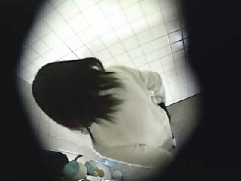 緊急放尿!! 都内某公園潜入盗撮 潜入   盗撮シリーズ  93PIX 55