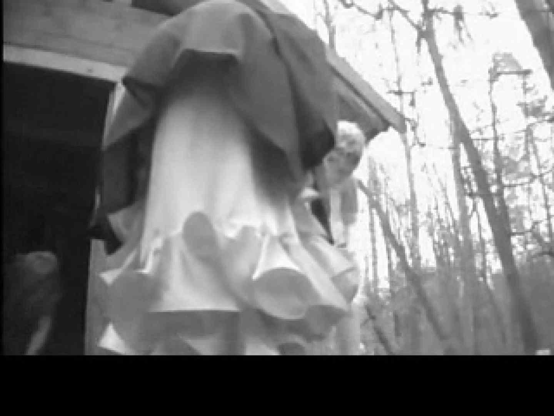 白人さんの野外排泄のぞきvol.3 放尿編 オマンコ無修正動画無料 101PIX 86