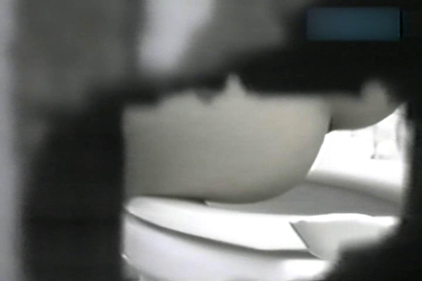 ショッキング厠!!隣の個室より拝見させていただきます!! 盗撮シリーズ   おまんこ見放題  84PIX 57